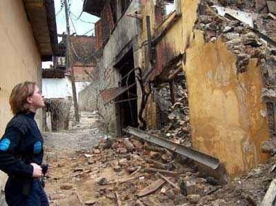 Jeden (bývalý) srbský dům v Prizreni zbořený a vypálený bandou kosovských Albánců.